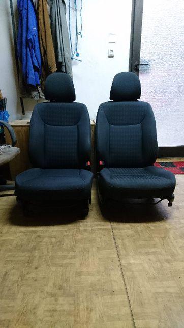Honda Civic VII fotele i kanapa Komplet