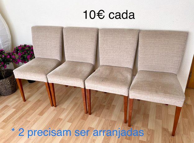 4 cadeiras de tecido