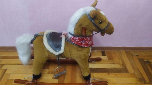 Музыкальная лошадь качалка  рот хвост движутся качеля