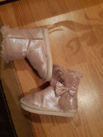 Продам классные яркие угги сапоги ботинки