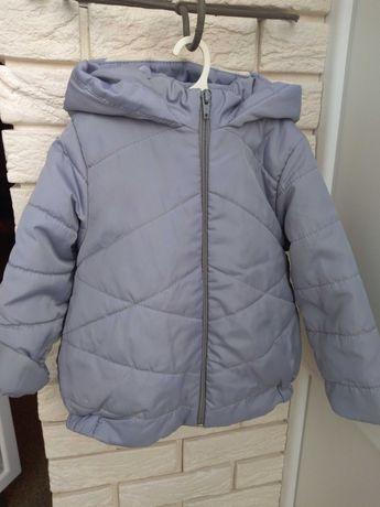 Удлиненная куртка (пальто) на девочку весна-осень