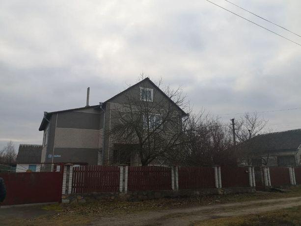 Продамо двоповерховий будинок, м. Олевськ