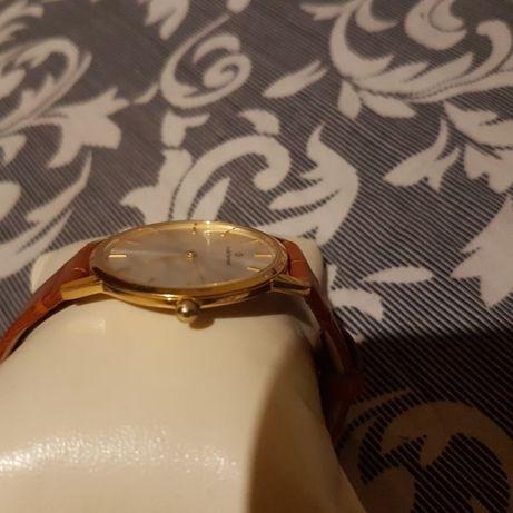 Продам швейцарський годинник Claude Bernard .