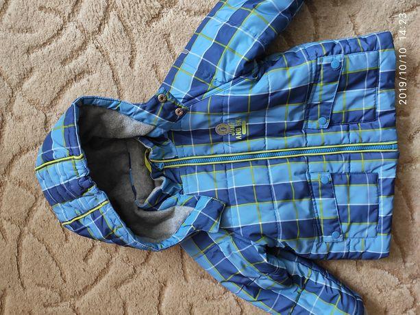 Продам курточку для мальчика Chicco