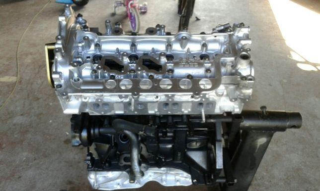 Silnik trafic vivaro 2.0cdti M9R