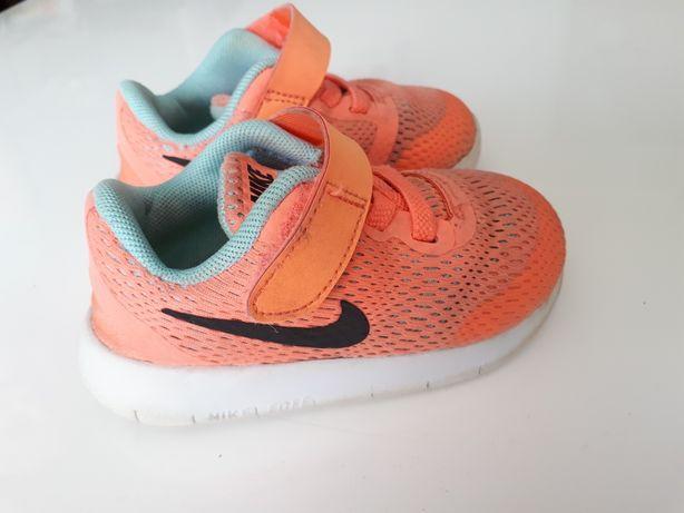 Buty sportowe Nike, rozm.22 dziecięce.