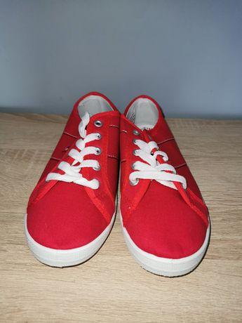 Czerwone trampki