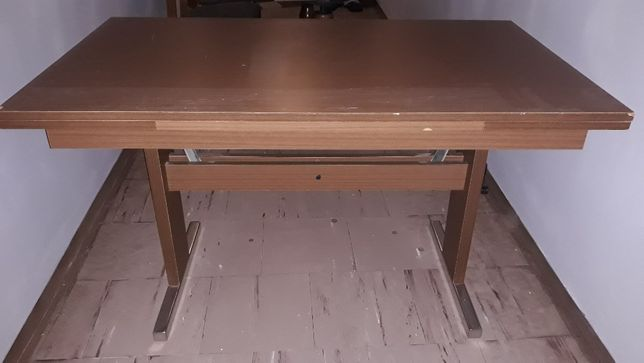 Ławo-stół rozkładany z szybą