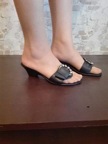 Сандалии, шлепки, босоножки, обувь на лето