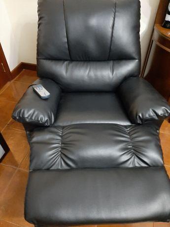 Sofa massagem muito bom estado