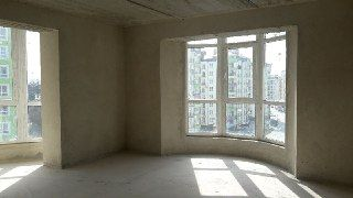 3 кім квартира великої площі 98м2 у Калиновій Слободі біля озера