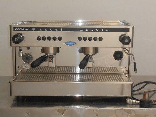 Vendo maquina caffe marca ottima + moinho