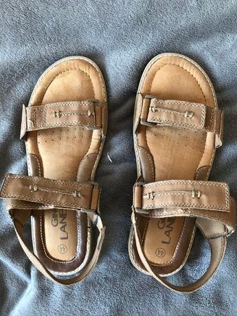 Beżowe sandały Gino Lanetti