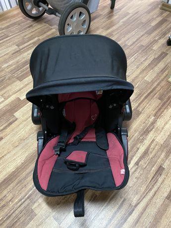 Продается автомобильное кресло kiddy с базой для крепления в авто