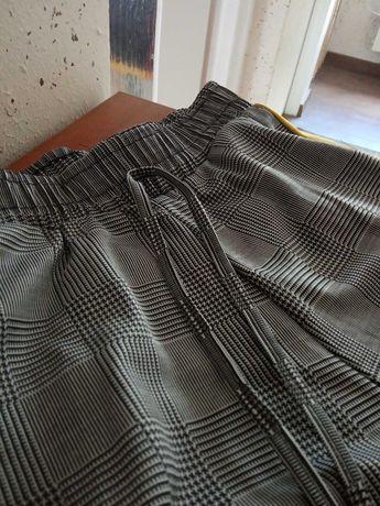 Nowe spodnie w kratę z lampasem