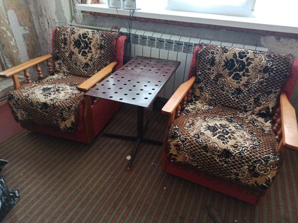 Срочно Диван и 2 кресла