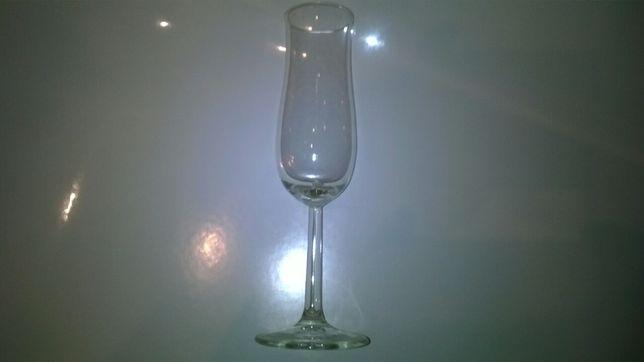 Kieliszki SZKLANE do szampana 11 sztuk .NOWE IDENTYCZNE.