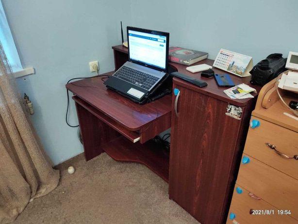 Компьютерный стол. Письменный для работы, учебы (бу)