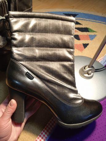 Взуття (весна-осінь) нове. Дуже гарне, легке та якісне.
