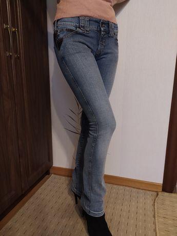 Джинсы Armani jeans, женские,25-26 размер