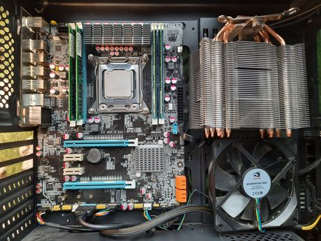 Продам комплект E5 VER 3.2 S1, Intel Xeon E5-2690 2.9GHz, 16Gb DDR3
