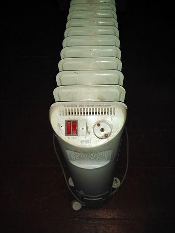 Продам радиатор масляный в хорошем рабочем состоянии.