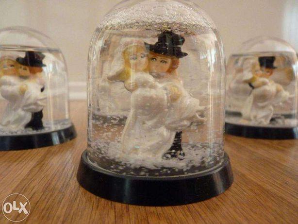 Sniezne pary mlode idealne na stol weselny