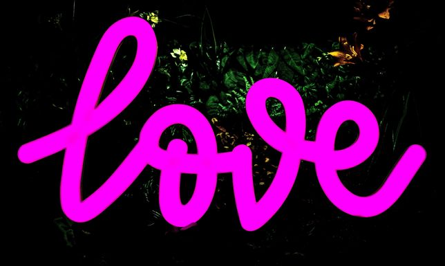 Zmiennobarwny Napis Love RGB Led Ledon Neon - wynajem | Wybierz Słowo!