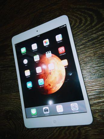 Продам IPAD MINI 1 WHITE на 16 GB с WI-FI и 3G (БЕЛЫЙ)