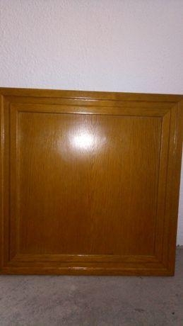 Portas de armário de cozinha em madeira