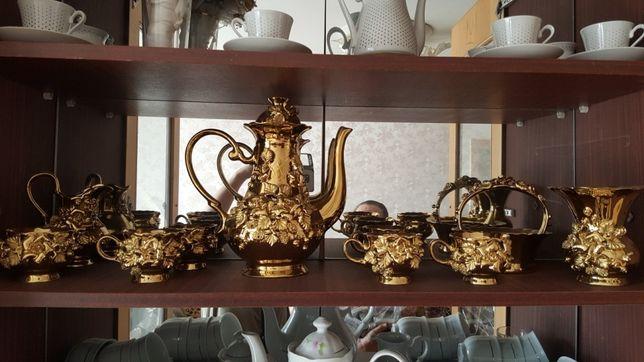 Сервиз чайный, золотистая посуда