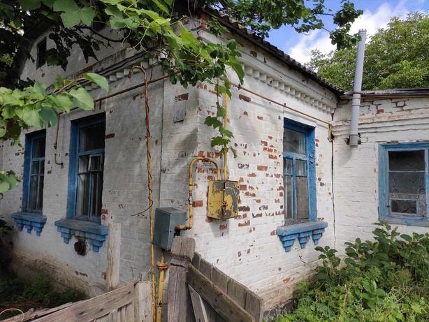 Продам кирпичный дом в с.Андреевка.От Киева около 50км.