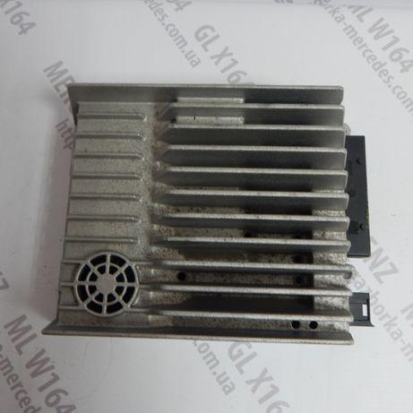 Усилитель звука A2518700590 Mercedes GL X164 ML W164 підсилювач звуку