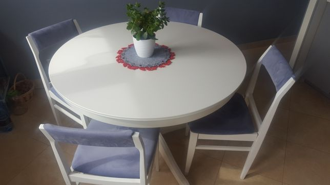 Krzesło białe po renowacji
