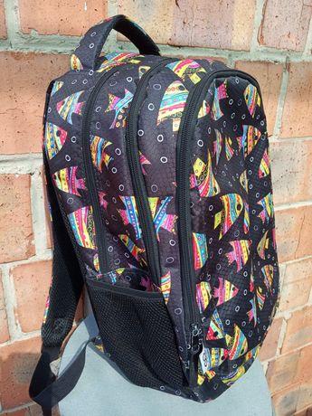 Рюкзак, сумка для школьника.