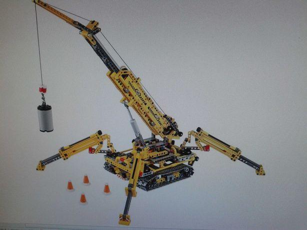 LEGO  Подъемный гусеничный кран
