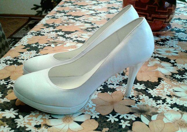 Buty ślubne, białe, szpilki