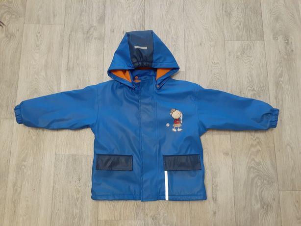 Продам непромокающую деми курточку на мальчика 104-110