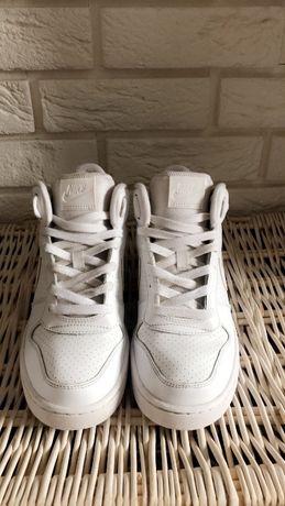 Nike CourtnBorought Mid r.39 białe