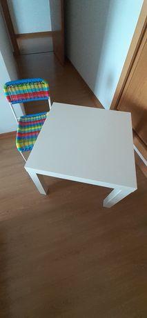 Conjunto mesa e cadeira criança