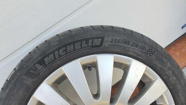 Felgi z oponami 17 Michelin Pilot Sport 4 235/45 5x112
