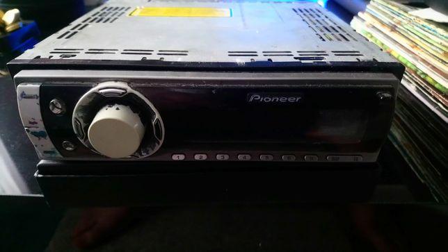 Radio samochodowe pioneer 4x50wat