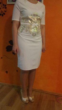 Sukienka suknia