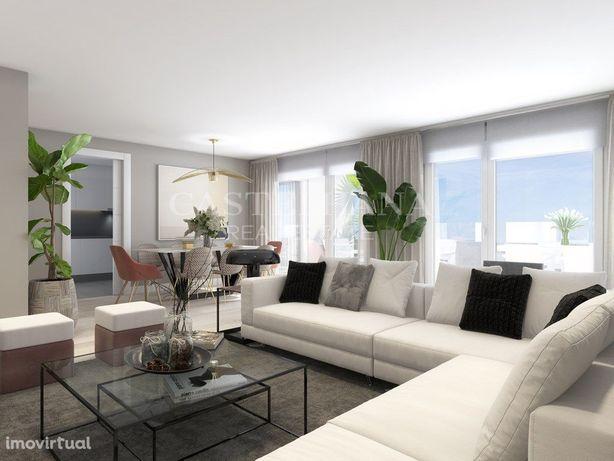 Apartamento T4 com varanda