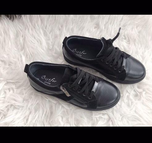 Продам стильные черные кеды