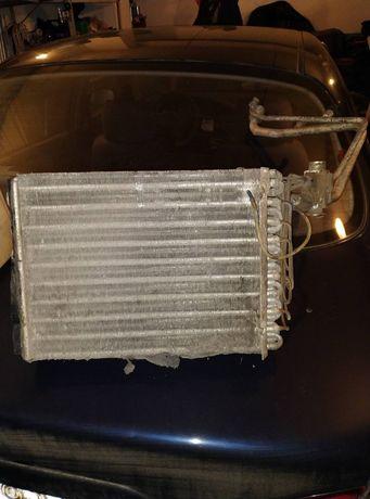 Радиатор кондиционера Renault Magnum.