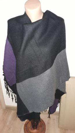Pończo narzuta fioletowe szare i czarne