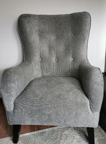 nowy fotel uszak z pufą, model old school wood
