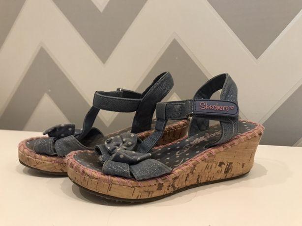 Sprzedam buciki na koturnie firmy Skechers