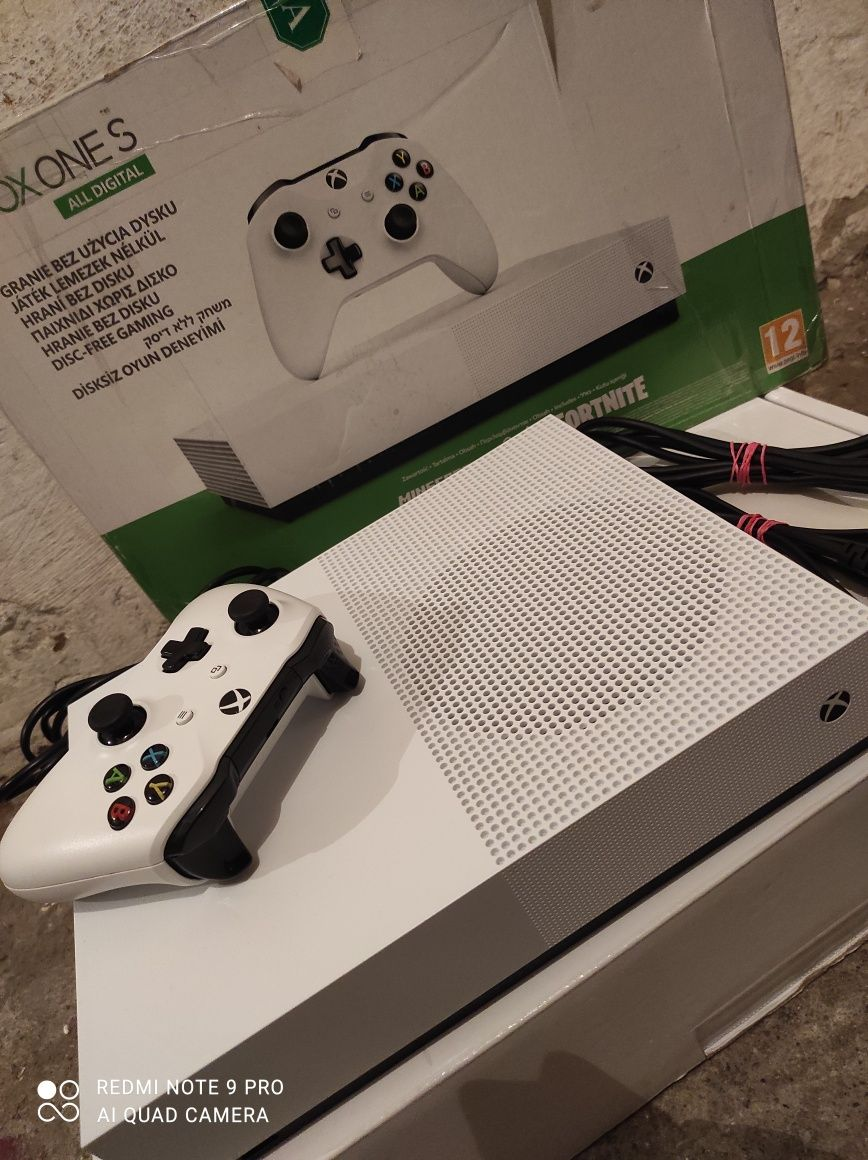 Konsola Xbox one S all dygital 1Tb stan idealny + wymianna